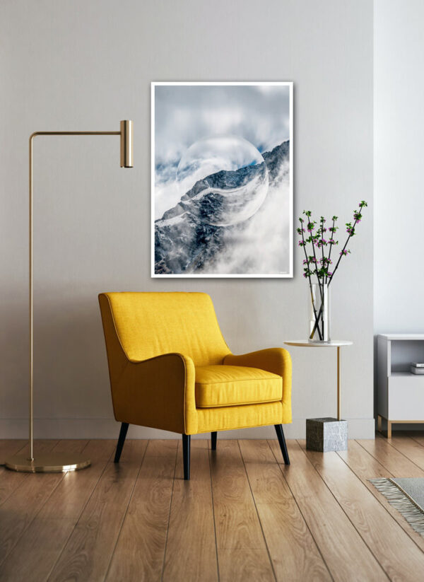 Snow mountain crystal ball fotokunst